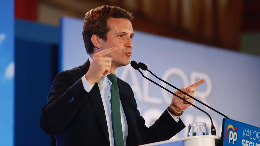Casado revela que mantiene contacto con Rajoy y Aznar y los llama para pedirles consejo