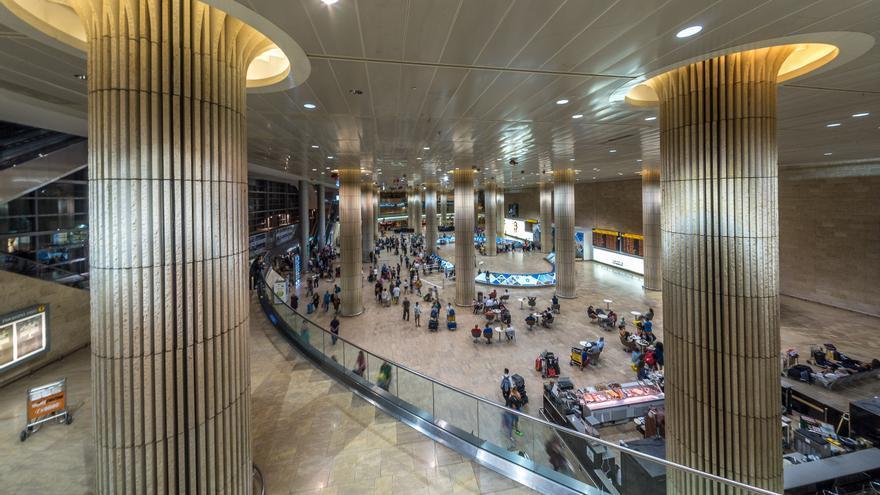 Zona de llegadas del aeropuerto de Tel Aviv Ben Gurion