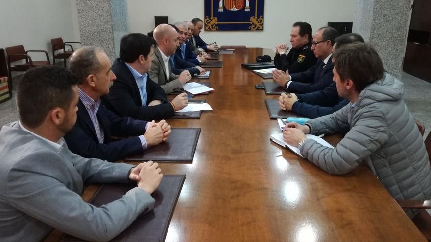Los sindicatos policiales advierten del peligro terrorista que puede suponer el paso de porteadores por Melilla