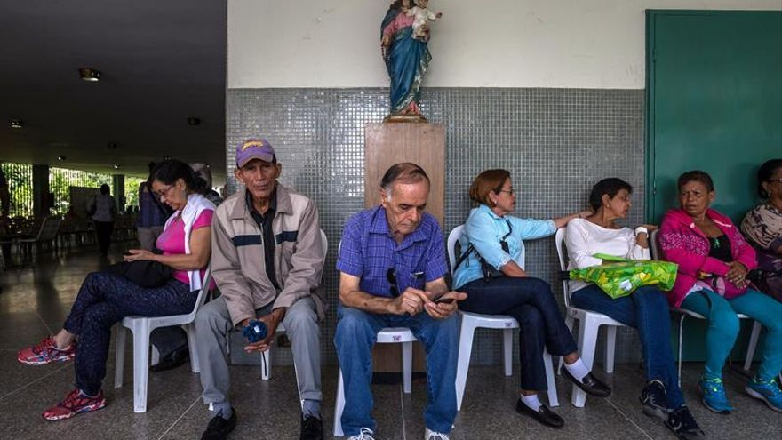 El Poder Electoral venezolano anuncia que el proceso de validación de firmas finaliza en unas horas