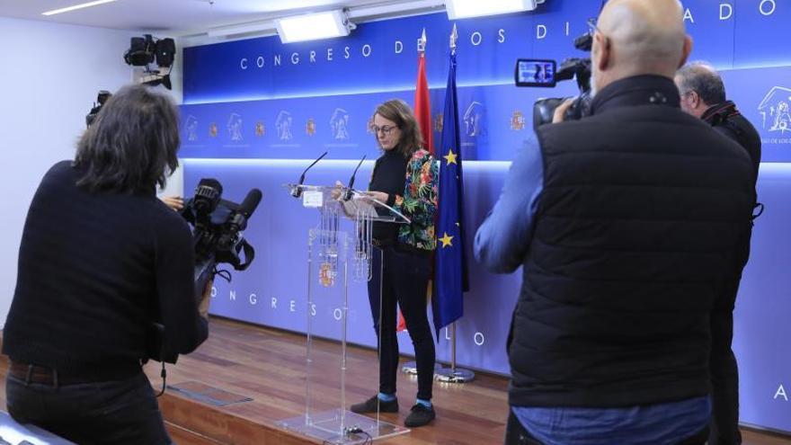 La diputada de la CUP, Mireia Vehí, este miércoles, durante la rueda de prensa.