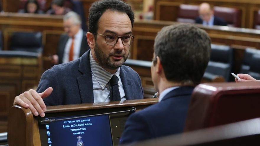"""El PSOE rechaza la comparecencia de Rubalcaba en la comisión sobre Fernández Díaz: Podemos busca """"llamar la atención"""""""