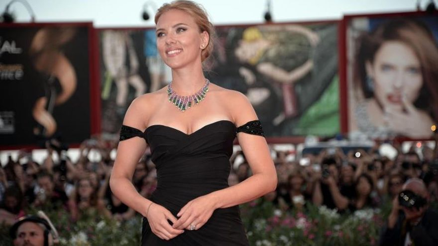 Johansson deja Oxfam tras anunciar una firma radicada en un asentamiento judío