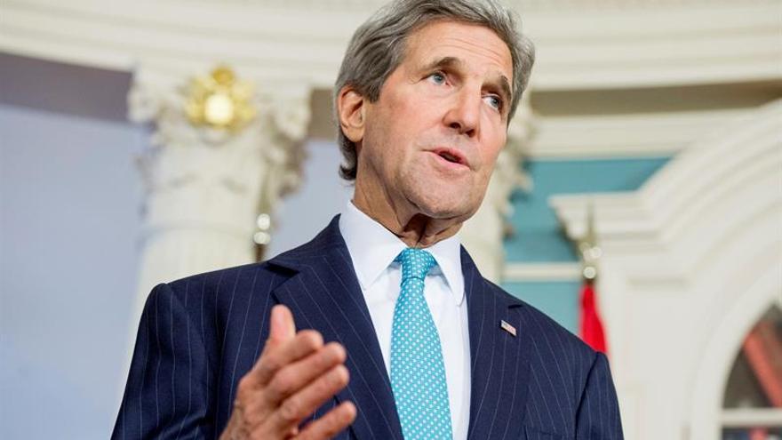Kerry dice a los bancos europeos que no teman hacer negocios con Irán