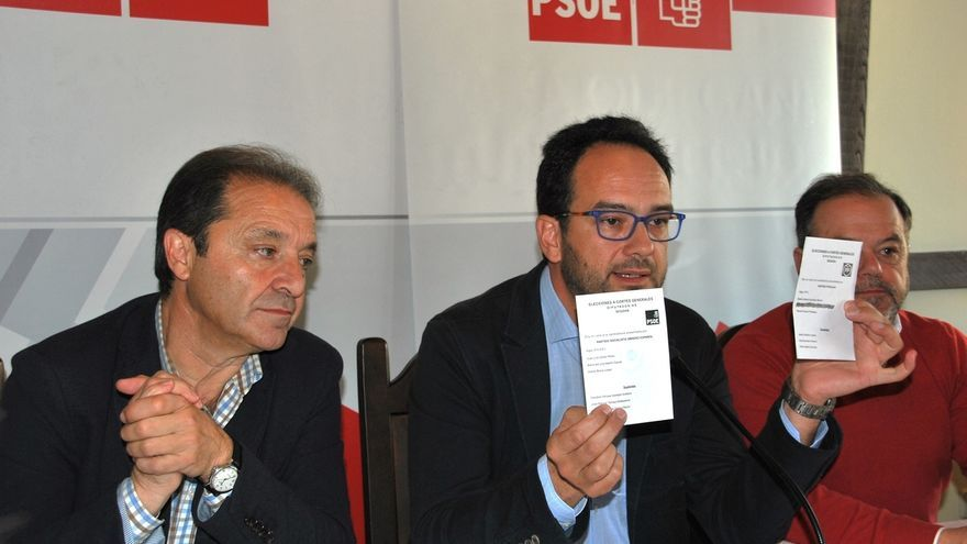 "Hernando nota en Rajoy niveles ""preocupantes"" de desesperación por la apertura del PP a pactar con PSOE"
