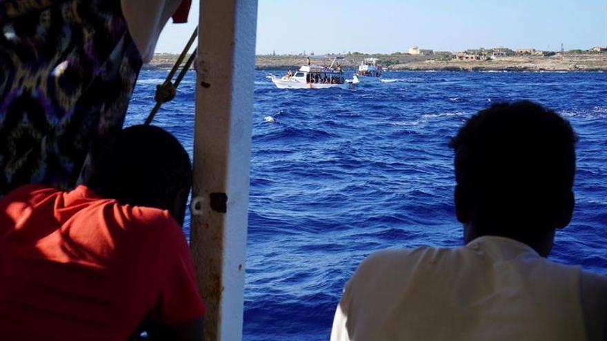 Autorizan la evacuación de 8 personas y un acompañante del Open Arms