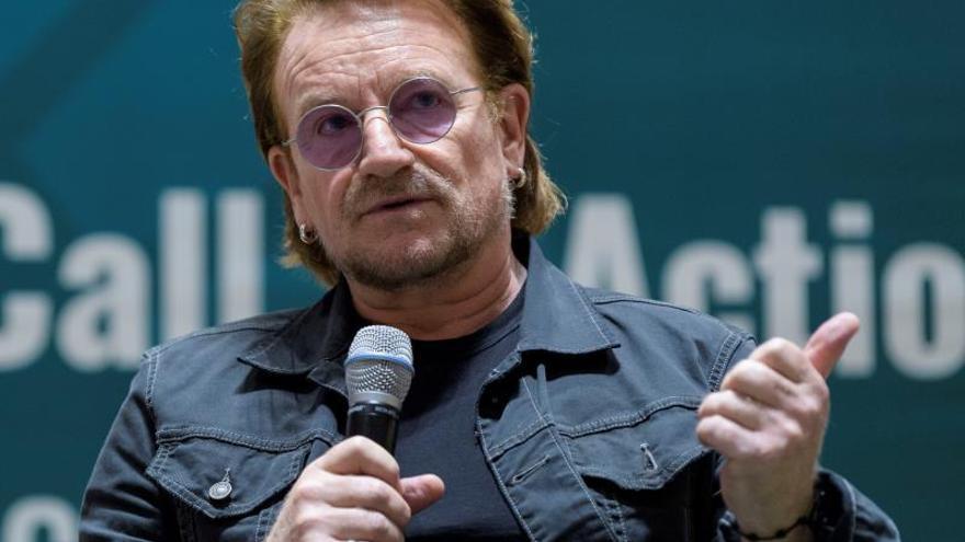 """Bono y la ONU denuncian la """"dramática desventaja"""" en educación de las jóvenes"""