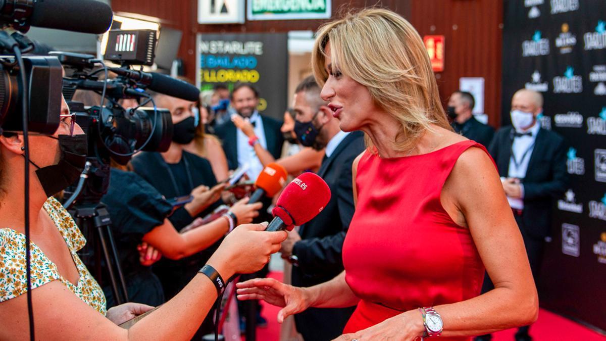 Susanna Griso siendo entrevistada