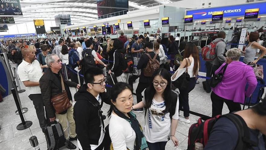 British Airways operará hoy todos sus vuelos tras el fallo informático global