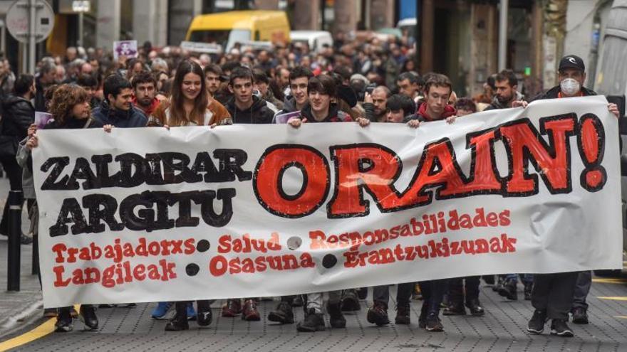Vuelven a exigir en la calle responsabilidades por el derrumbe de Zaldibar