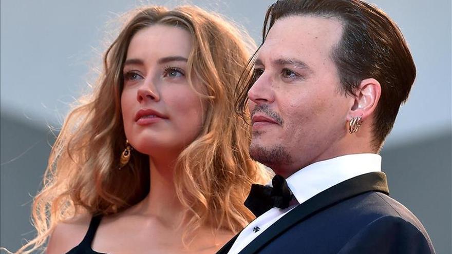 La esposa de Johnny Depp luchará tras la entrada ilegal de sus perros en Australia