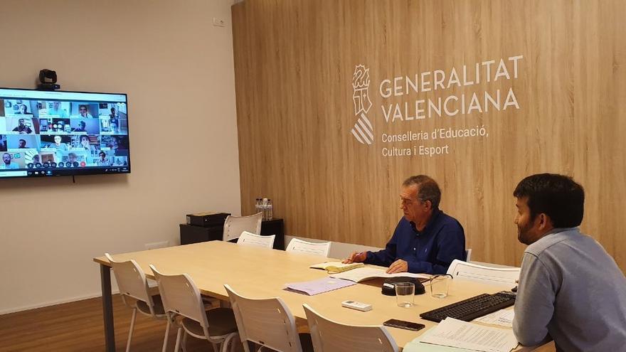 El conseller Vicent Marzà, a la derecha, junto al secretario autonómico de Educación, Miguel Soler.