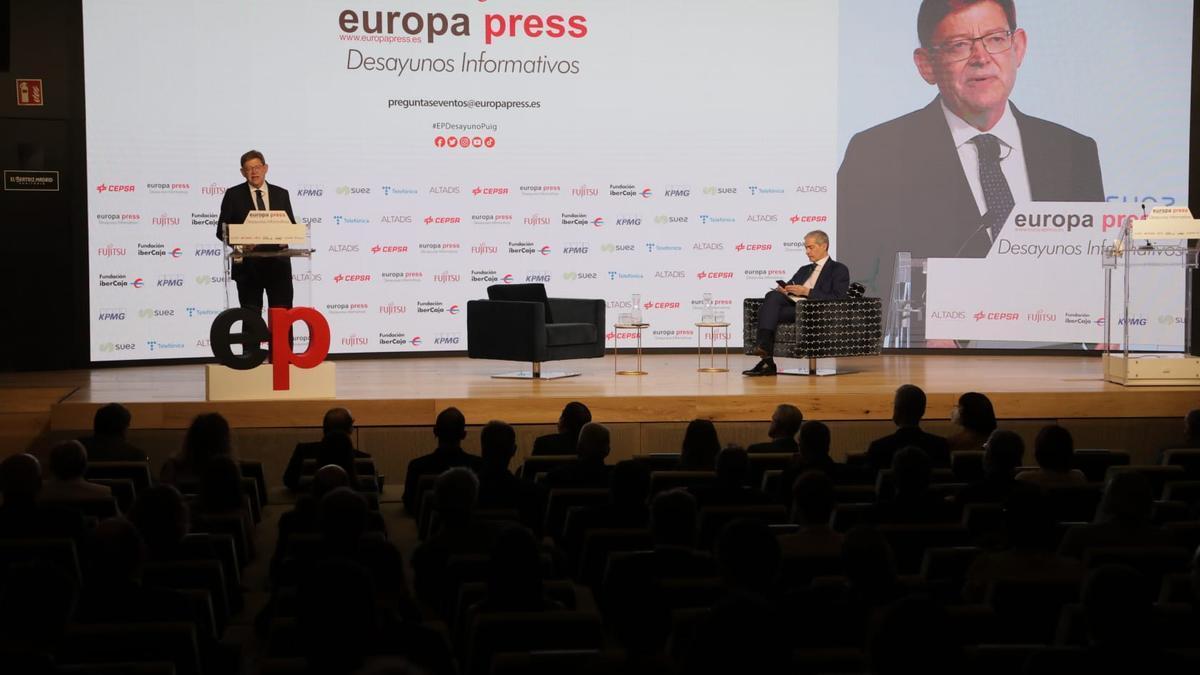 El presidente de la Generalitat Valenciana, Ximo Puig, interviene en los desayunos informativos de Europa Press.