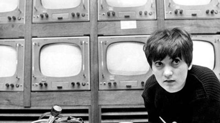La Sala de Máquinas del Centro Párraga acoge una exposición de la murciana Alba Martínez sobre la figura de Pilar Miró