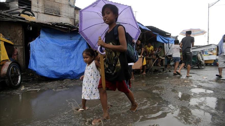 Seis provincias filipinas en alerta ante la aproximación del tifón Noul