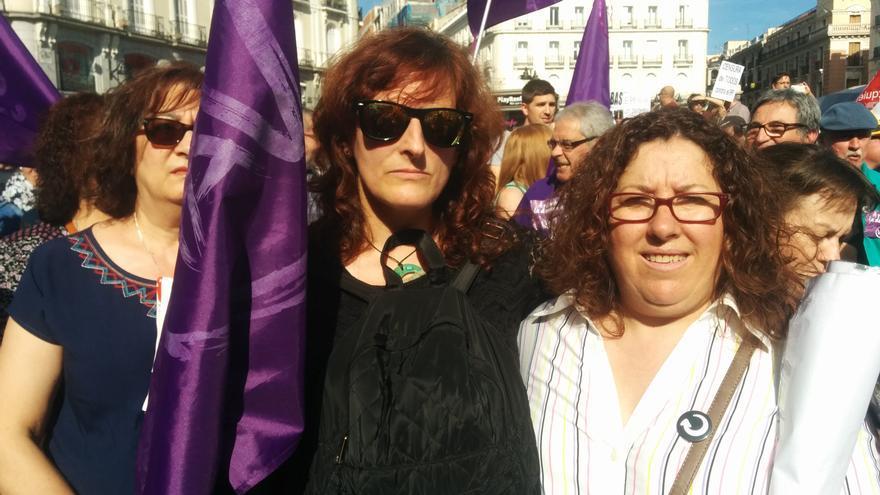 Nina, procedente de Fuenlabrada, ha acudido a la concentración en favor de la moción de censura
