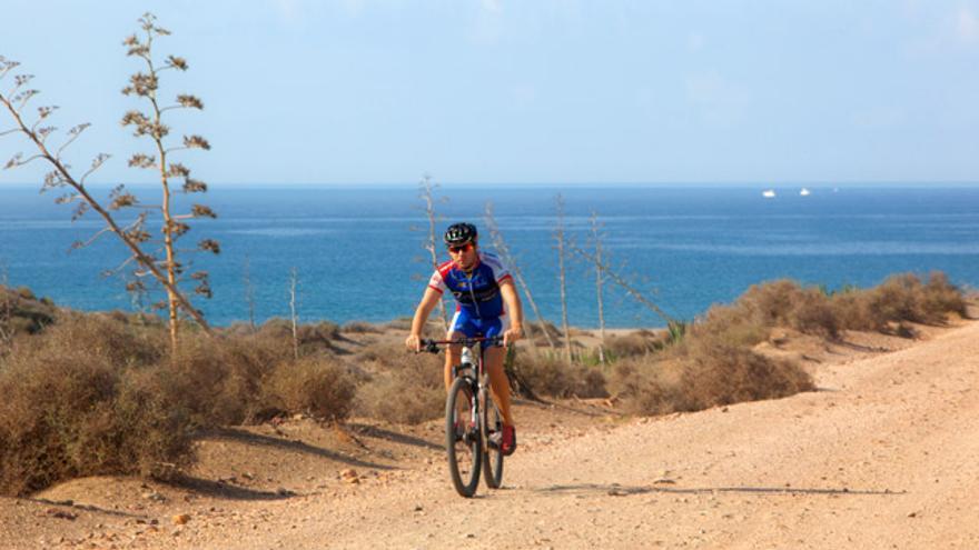 La TransAlandalus, la 'madre' de de todas las rutas en bicicleta por Andalucía.