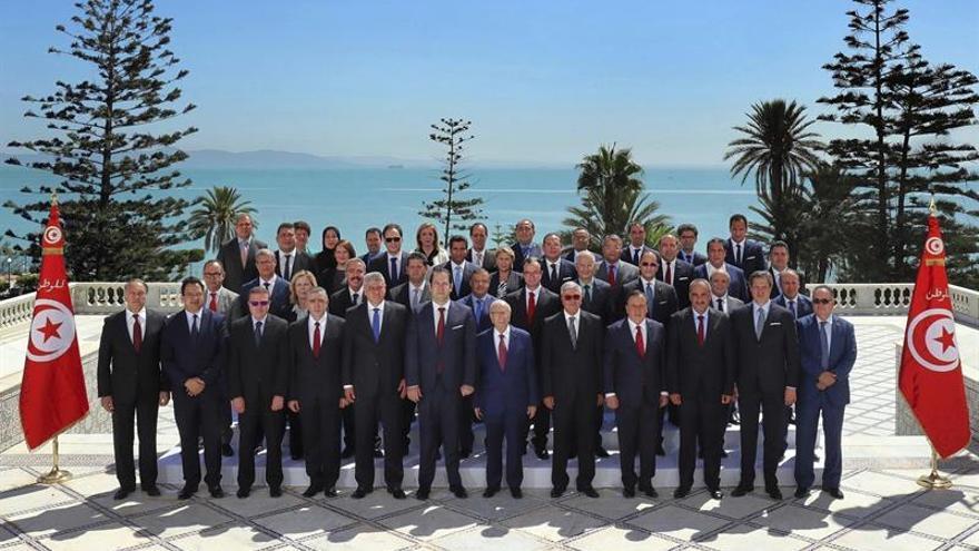 Nuevo gobierno tunecino jura su cargo ante el presidente de la República
