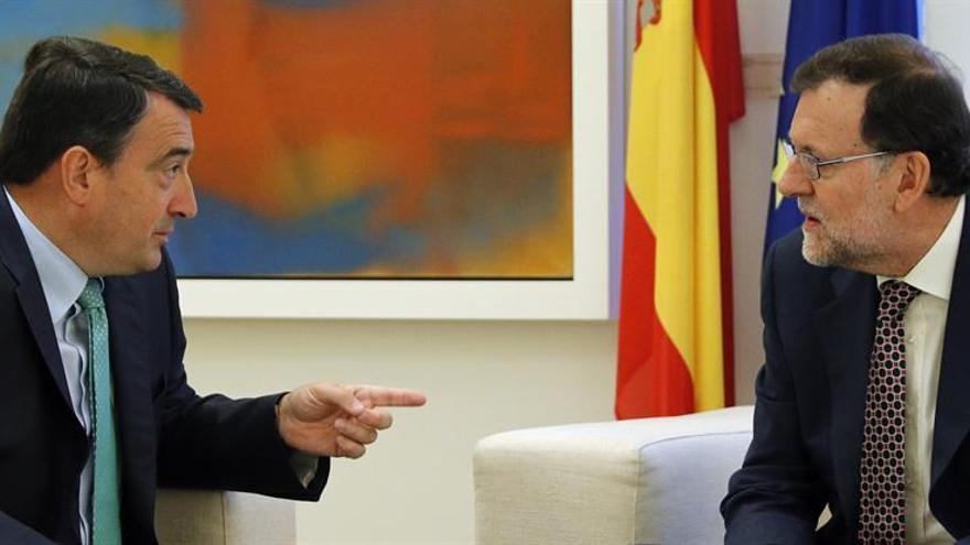 """Rajoy recibe los primeros """"noes"""" mientras todas las miradas apuntan al PSOE"""