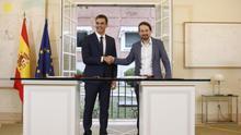 Sánchez e Iglesias pactan subir el salario mínimo a 900 euros e incrementar al 1% el impuesto de patrimonio a partir de 10 millones
