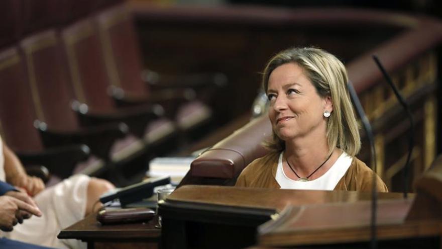 La diputada de CC, Ana Oramas, antes de su intervención en la tercera sesión del debate de investidura