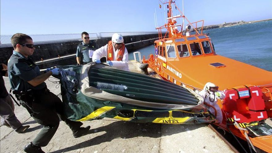 Una novena patera eleva a 59 los inmigrantes rescatados en el Estrecho