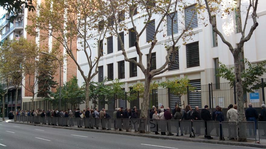 Abren los puntos de votación del proceso participativo sobre el futuro político de Cataluña