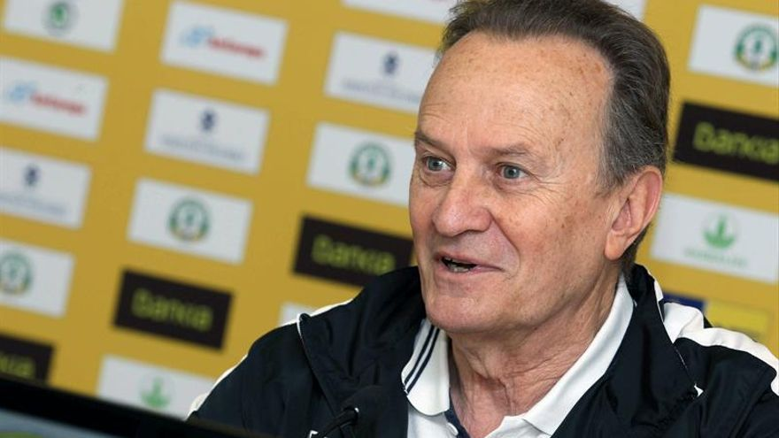 El entrenador del Herbalife Gran Canaria, Aíto García Reneses. (EFE/Elvira Urquijo A)