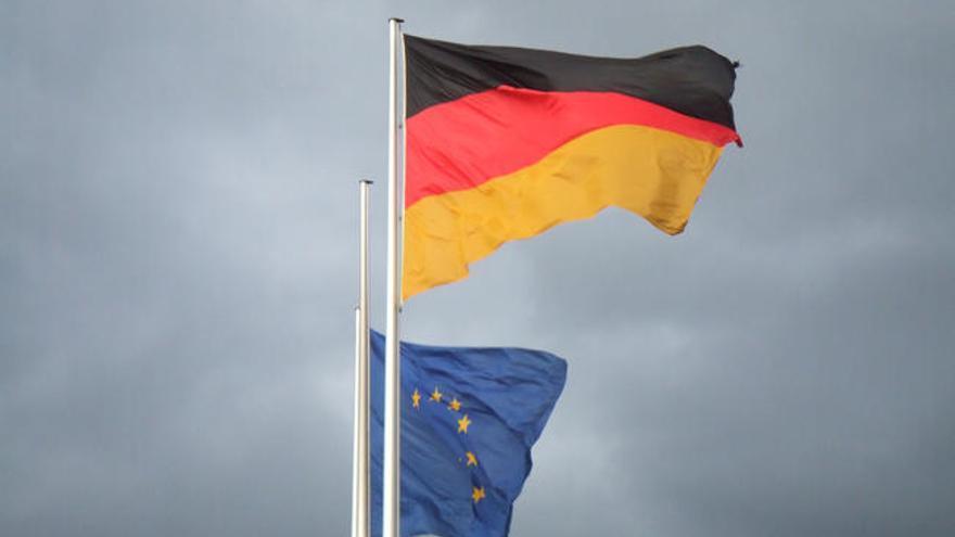 Bandera Alemania y UE