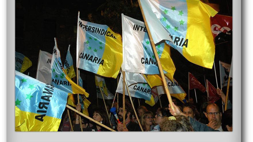 Banderas de Intersindical Canaria.