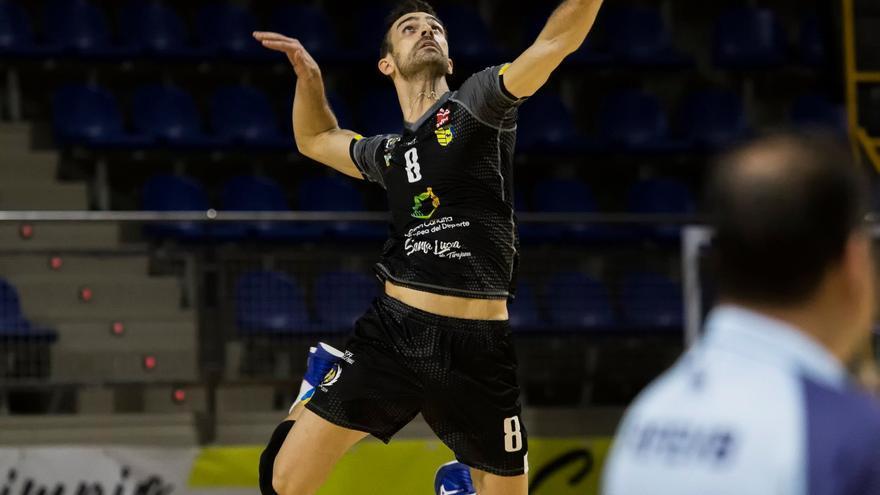Javier Monfort, durante una acción del juego