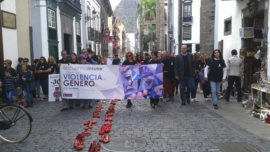 La marcha reivindicativa discurrió por la Calle Real y Pérez de Brito. Foto: LUZ RODRÍGUEZ.