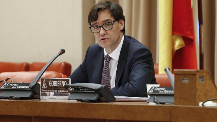 El ministro de Sanidad, Salvador Illa, comparece ante la Comisión de Sanidad en el Congreso de los Diputados, este jueves, en Madrid.
