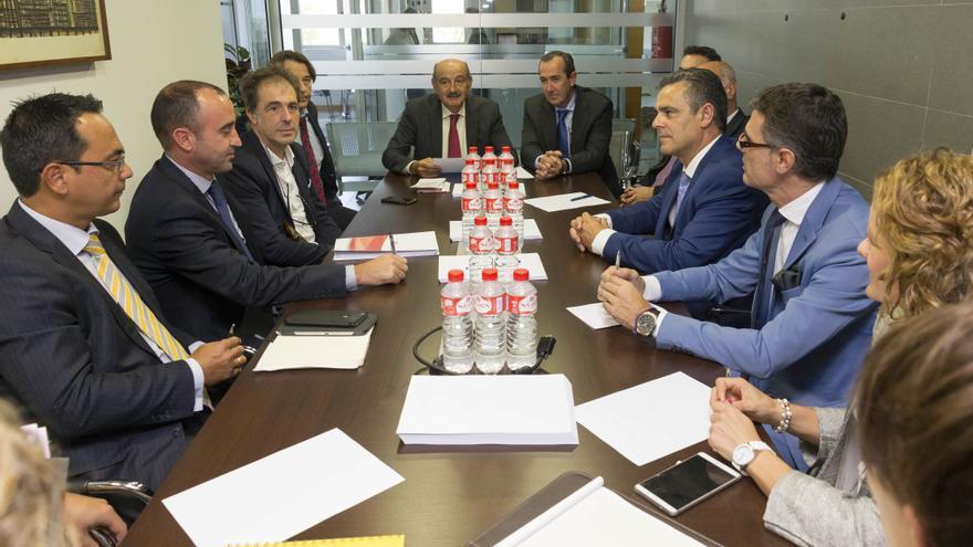 Reunión en la Consejería de Vivienda con las entidades financieras. | MIGUEL LÓPEZ