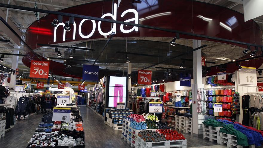 Carrefour es condenado en Francia por pagar sueldos inferiores al salario mínimo