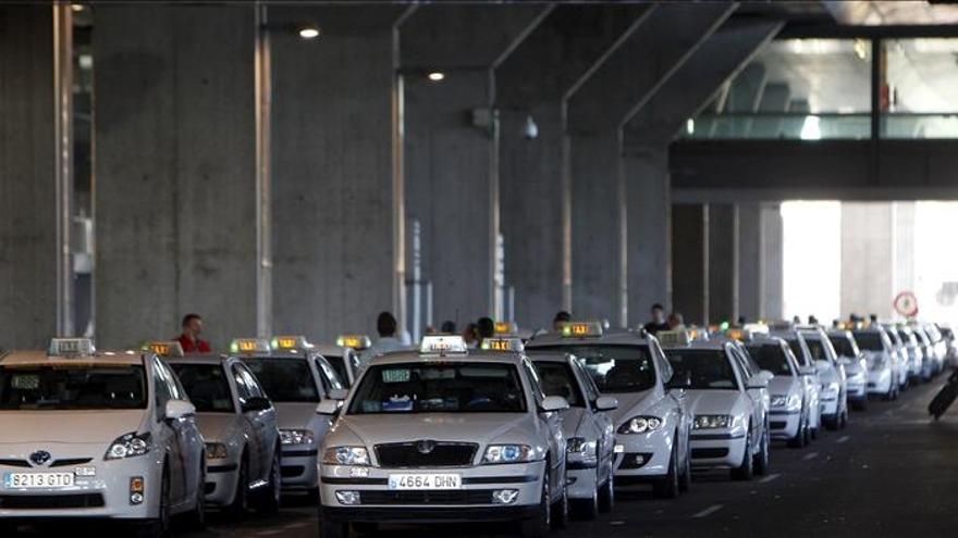 La CE rechaza prohibir los servicios de taxi alternativo pese a las críticas