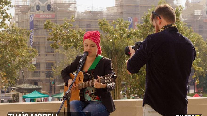 Concierto de Thaïs Morell en el balcón del Ayuntamiento