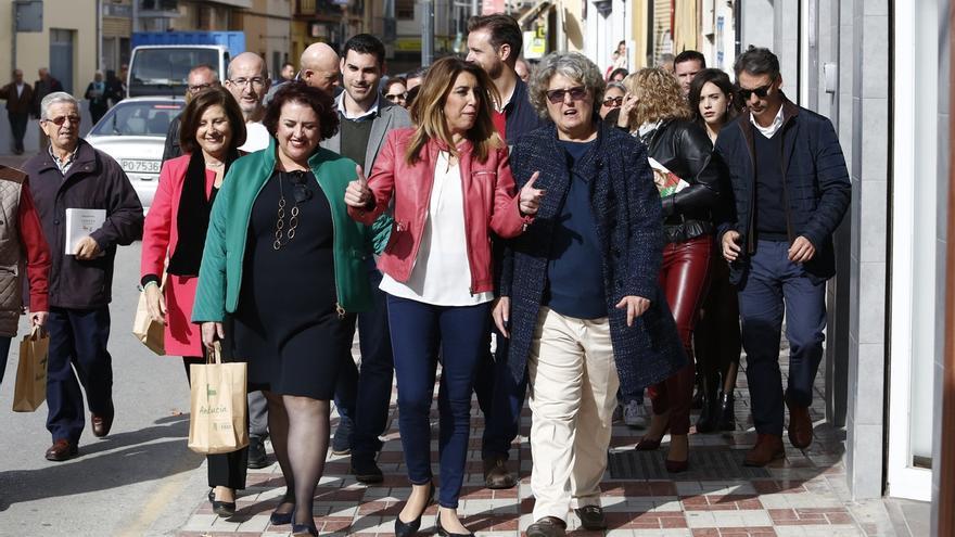 """Susana Díaz critica a los """"cenizos"""" que se dedican a vender """"ruina"""" en Andalucía, que crecerá al 2,7% el próximo año"""