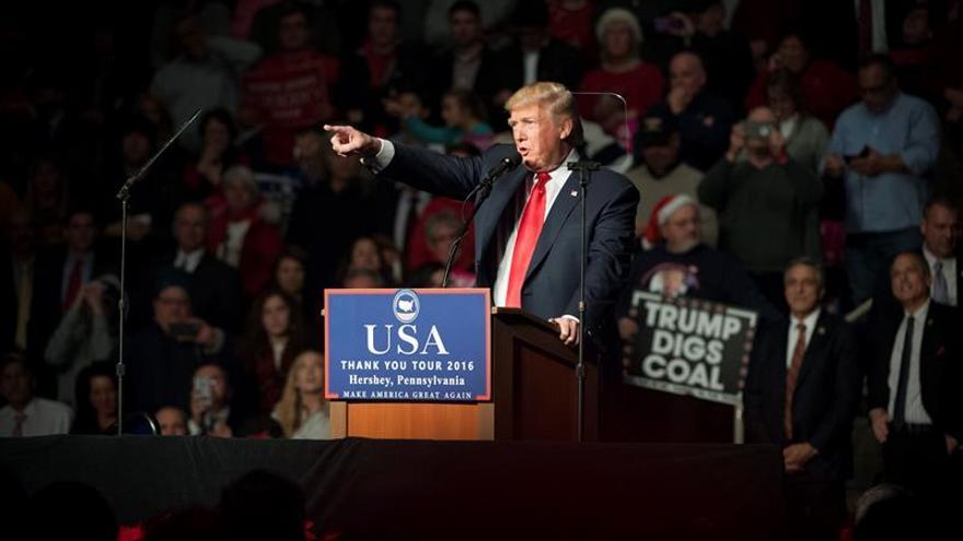 Trump anuncia reuniones con inteligencia de EE.UU. para evaluar ataques rusos