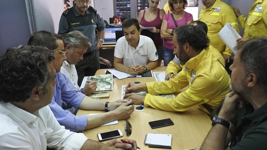 El Gobierno ofrece más medios a Castilla-La Mancha para el incendio de Yeste