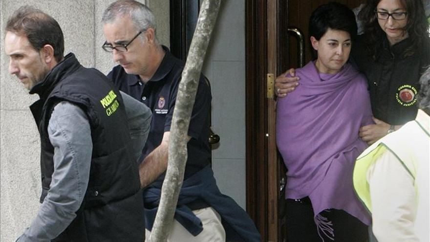 Los padres de Asunta llegan a los juzgados de Santiago en furgones separados