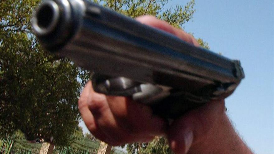 Juez declara inconstitucional la prohibición de la venta de armas en Chicago