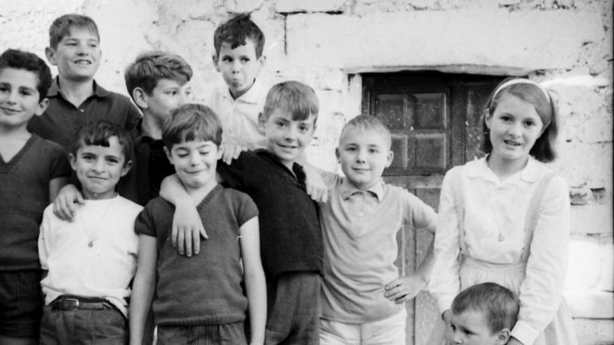 Niños en Pido, 1963. |