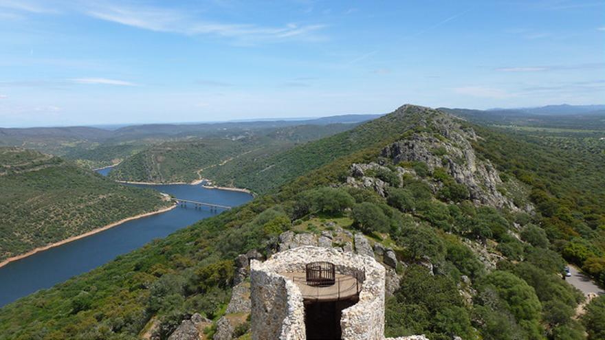 Vistas del Río Tajo desde el Castillo de Monfragüe. Peña