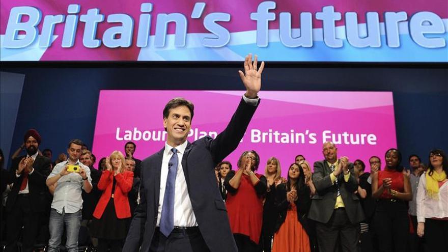La cúpula laborista arropa a Miliband entre críticas a su liderazgo
