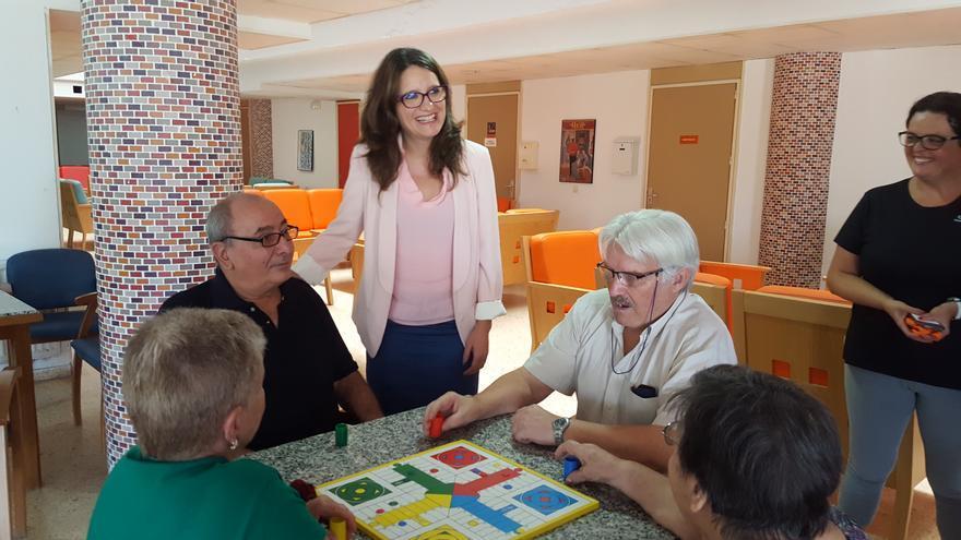 La vicepresidenta del Consell, Mónica Oltra, en la residencia de Carlet