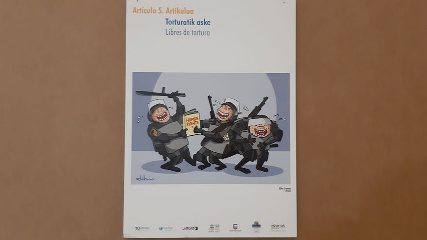 La viñeta que ha causado la polémica y que representa la tortura policial, ilustrando el artículo 5 de la declaración universal de los Derechos Humanos