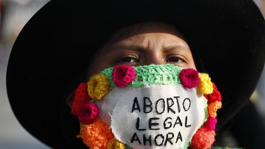 """Activistas y colectivos exigen el """"aborto legal, seguro y gratuito"""" en Perú"""