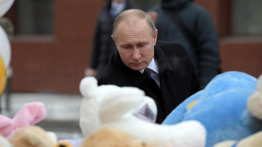 Putin promete que los responsables del incendio en Kémerovo serán castigados