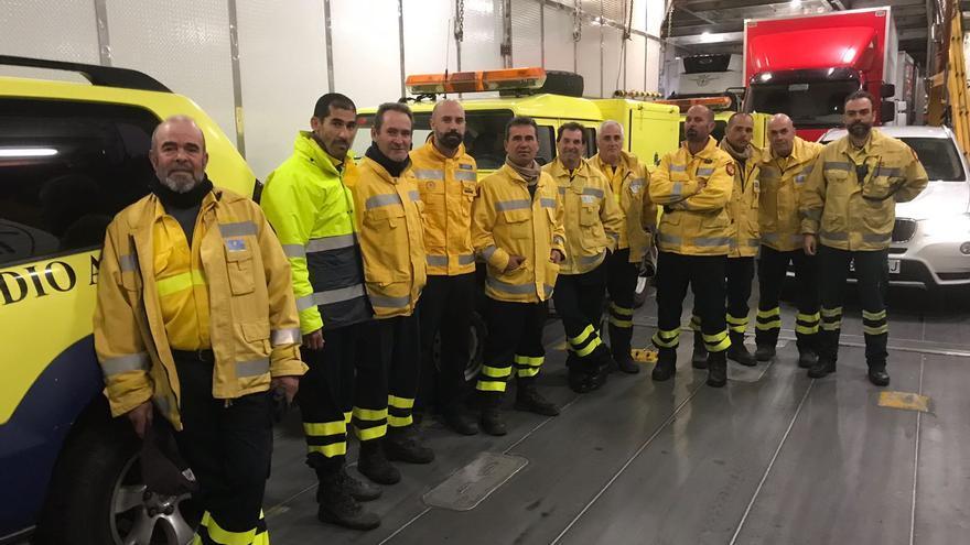 Equipo de emergencias del Cabildo de Gran Canaria en el barco a Tenerife